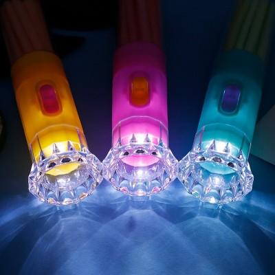 金稻谷手电筒玩具糖吸管糖卡通发光玩具糖果儿童休闲零食糖玩批发