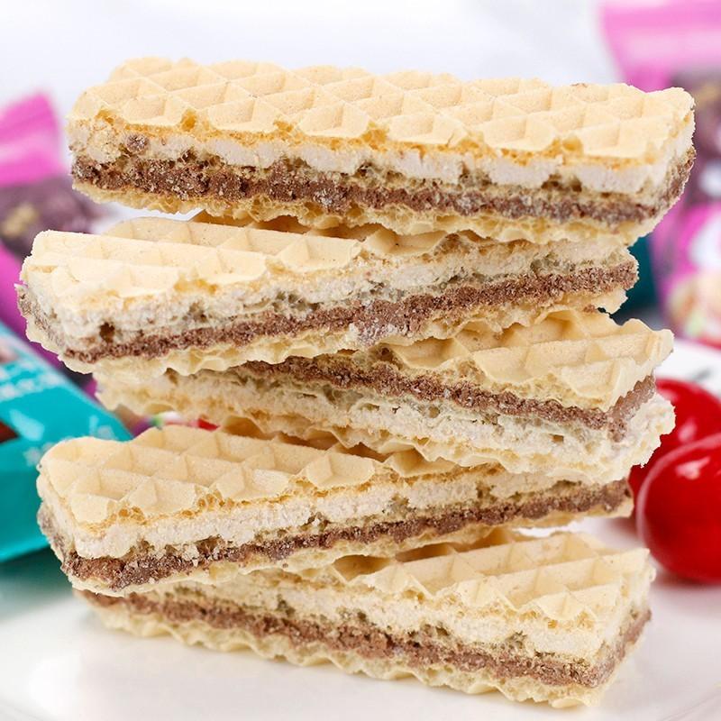 草莓牛奶巧克力威化饼夹心饼干网红小吃